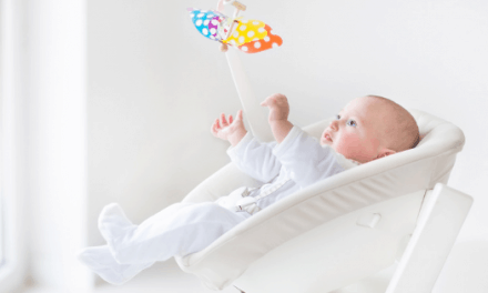 7 Best Non Toxic Bouncers and Swings To Soothe Your Baby