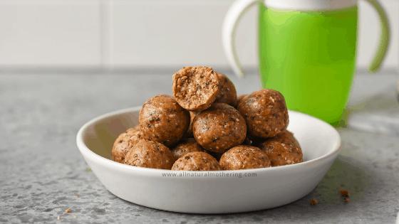 Healthy No Bake Toddler Oatmeal Energy Balls